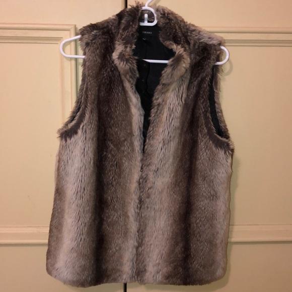 Forever 21 Jackets & Blazers - Faux fur vest